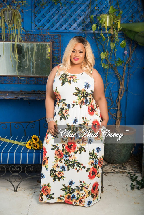 Final Sale Plus Size Sleeveless Long Pocket Dress in White Floral Print
