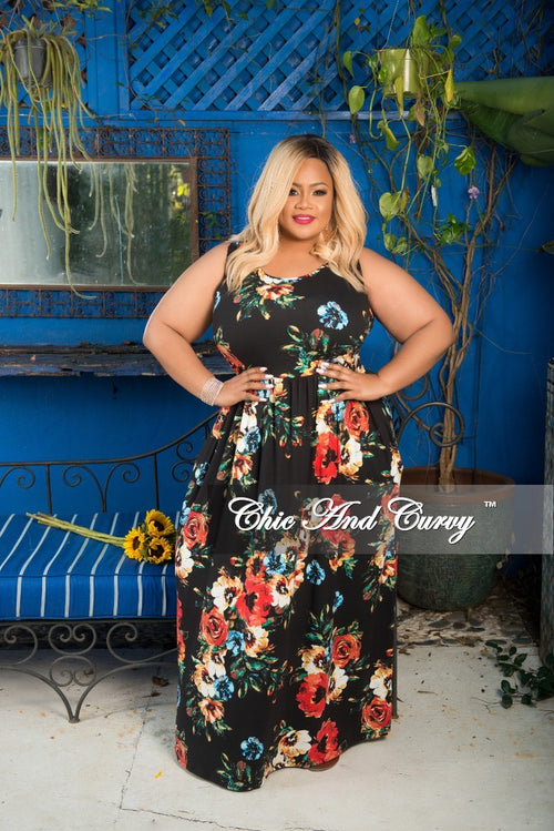 Final Sale Plus Size Sleeveless Long Pocket Dress in Black Floral Print