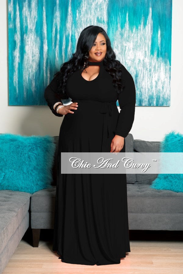 New Plus Size Long Dress with Keyhole in Black