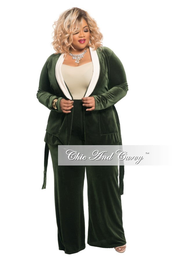 Final Sale Plus Size 2-Piece Velvet Lounge Set with Tie in Olive