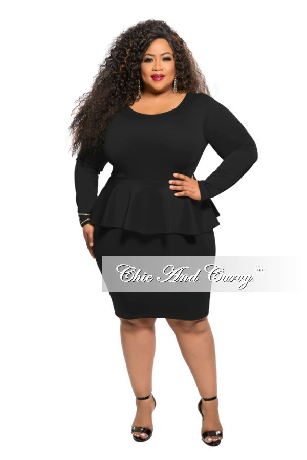 Final Sale Plus Size BodyCon With Textured Print Peplum Dress in Black