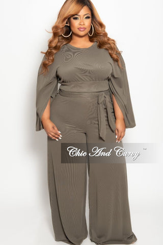 New Plus Size 2-Piece Sleeveless Crop Top and High Waisted Skirt Set with Attached Tie in Pink