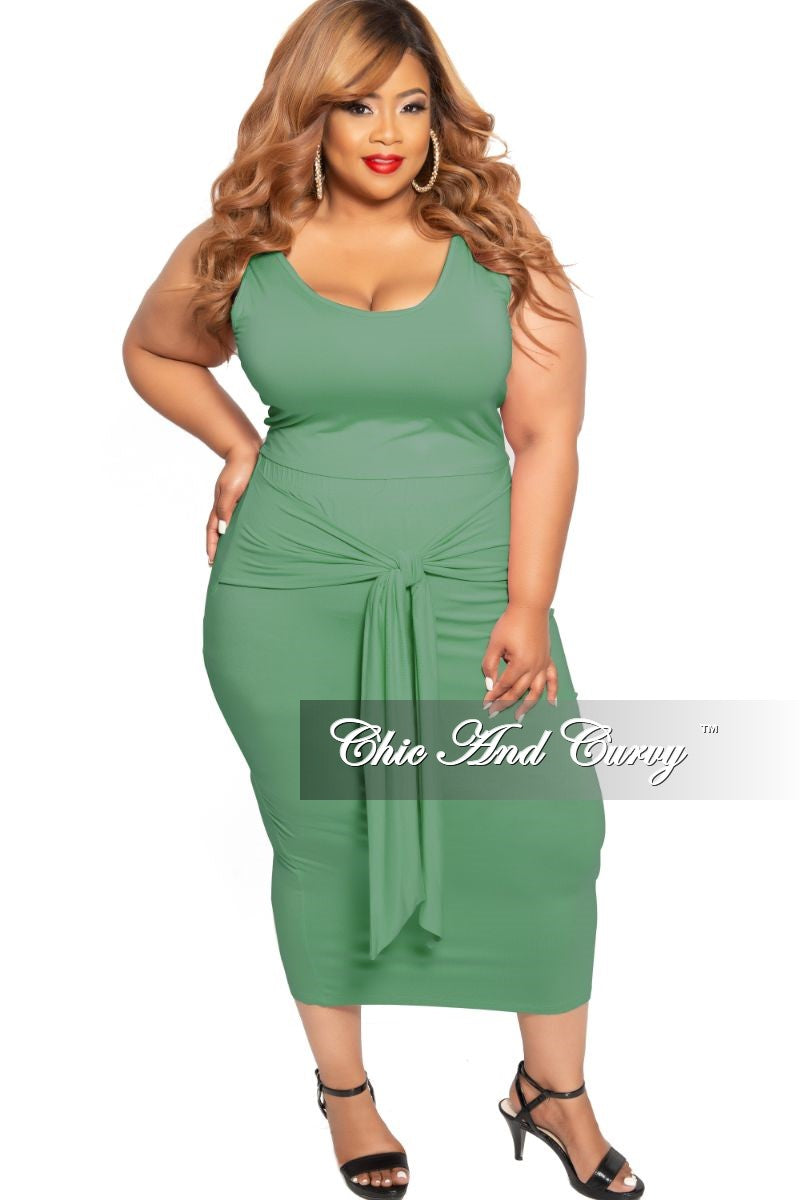 New Plus Size 2-Piece Sleeveless Crop Top and High Waist Skirt Set with Attached Tie in Olive