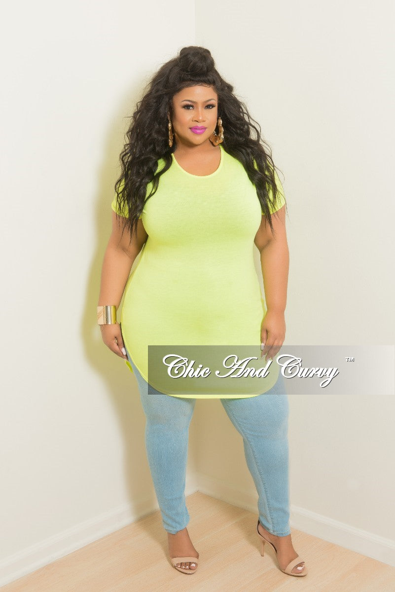 35% Off Sale - Final Sale Plus Size Tunic Top with Side Split and Short Sleeves in Neon Green