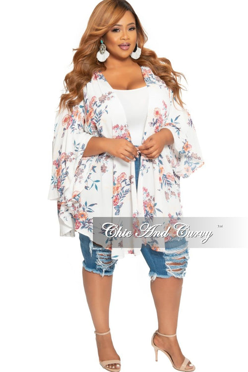 Final Sale Plus Size Kimono in Off White Floral Print