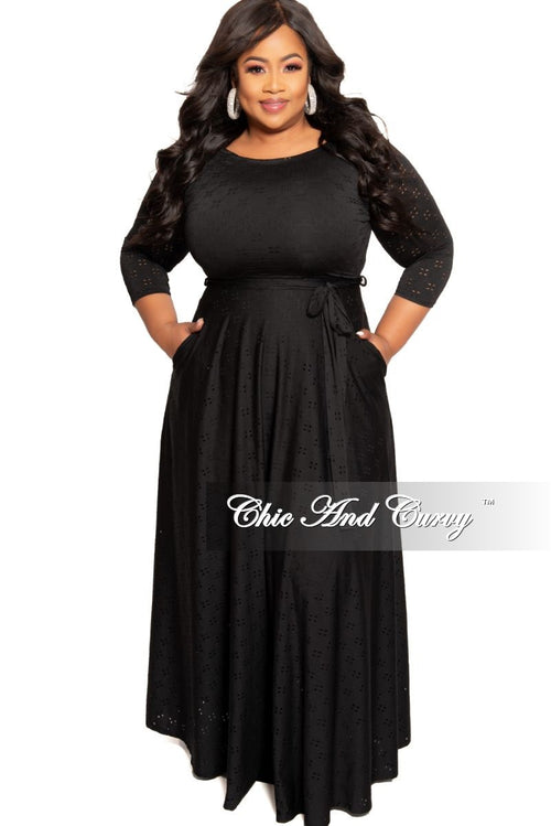New Plus Size Long Dress with 3/4 Sleeve and Tie in Black Doily Print