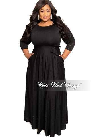 Final Sale Plus Size Front Keyhole Slit Sleeve Tie Gown in Black