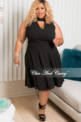Final Sale Plus Size Sleeveless Dress with Front Keyhole in Black