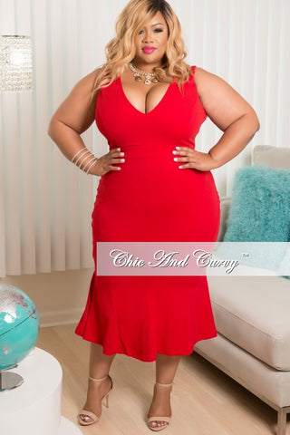New Plus Size Sleeveless Dress with Ruffle Skirt in Red