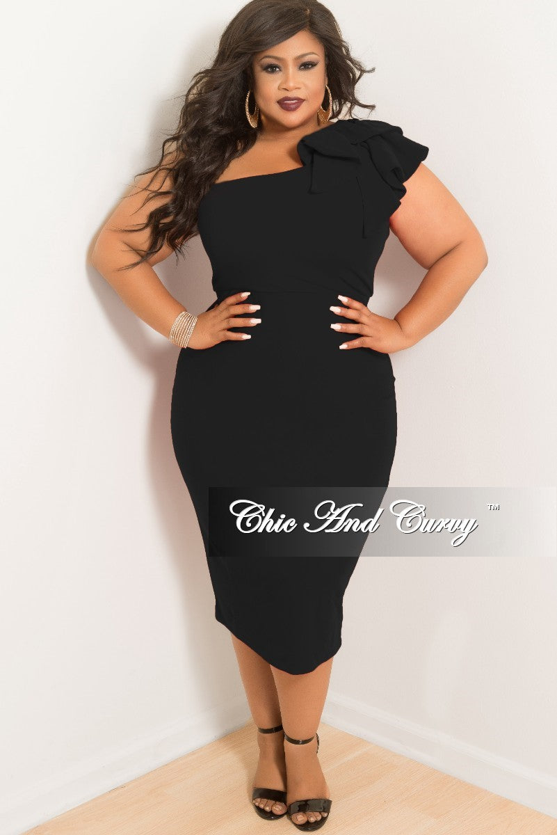 965b0a29272e8 Final Sale Plus Size One Sided BodyCon Dress with Ruffle Sleeve in Bla –  Chic And Curvy