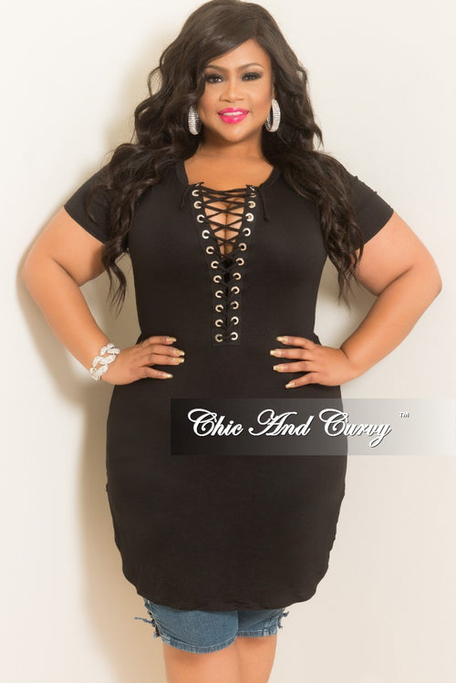 New Plus Size Short Sleeve Lace Up Dress/Top with 99 Back Print in Black and White
