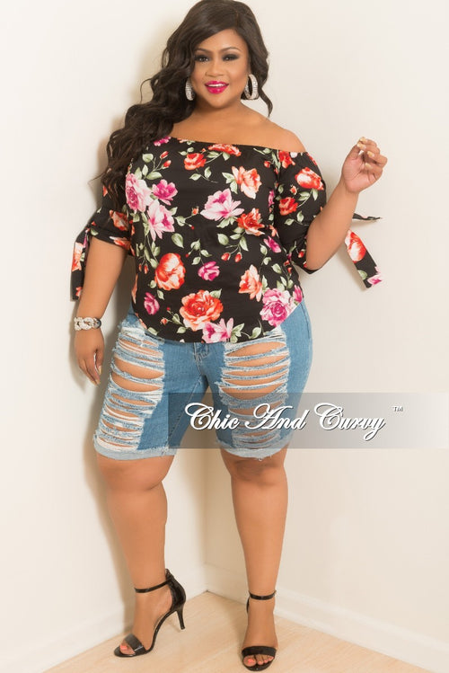 New Plus Size Off the Shoulder Floral Print Top With Tie Sleeves in Black