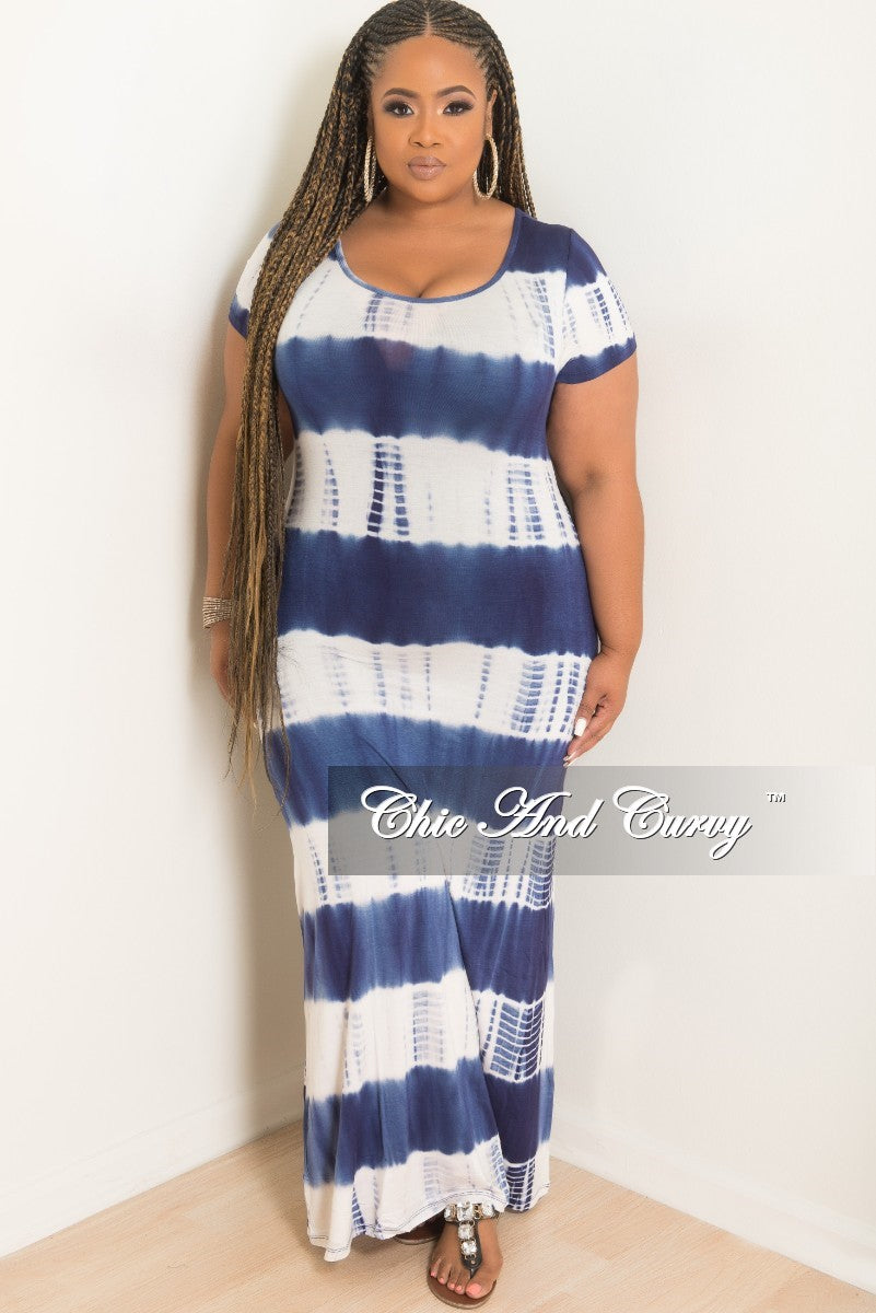 Final Sale Plus Size Short Sleeve Maxi Dress in Blue and White Tie Dye Herringbone Print