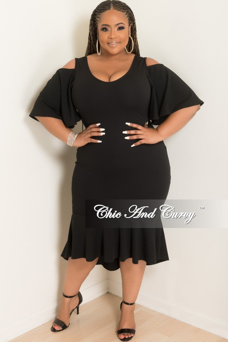 8ddd3fa3b149c New Plus Size Cold Shoulder BodyCon Dress with Ruffle Bottom in Black –  Chic And Curvy