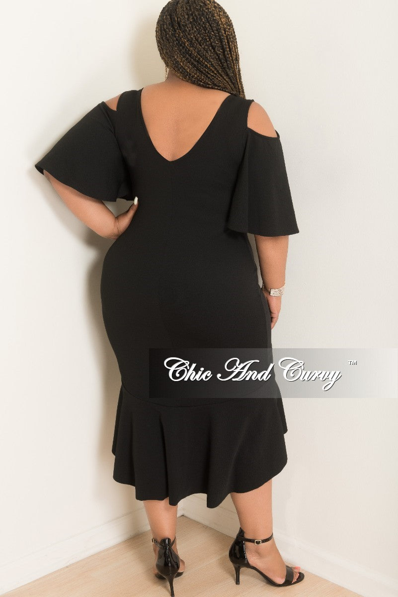 New Plus Size Cold Shoulder BodyCon Dress with Ruffle Bottom in Black