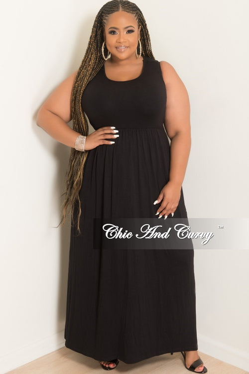 Final Sale Plus Size Sleeveless Long Pocket Dress in Black