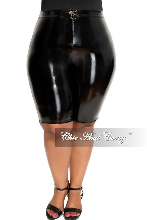 Final Sale Size Plus Patent-Leather Bermuda Shorts in Black