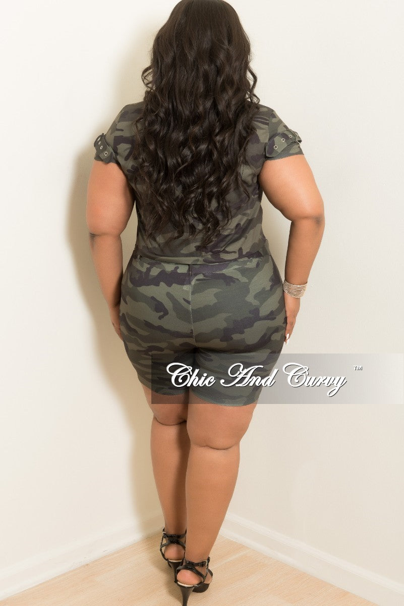 New Plus Size 2-Piece Top and Short Set in Camouflage Print