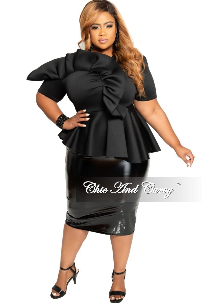 Final Sale Plus Size Patent-Leather Pencil Skirt with Gold Back Zipper and Bottom Slit in Black