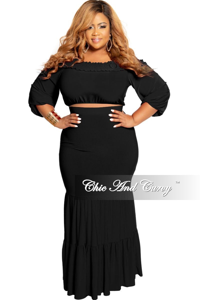 Final Sale Plus Size 2-Piece Off the Shoulder Crop Top and Tiered Skirt Set in Black