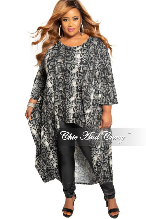 New Plus Size Short Sleeve High-Low Tunic Top with Pockets in Grey and Black Snake Print