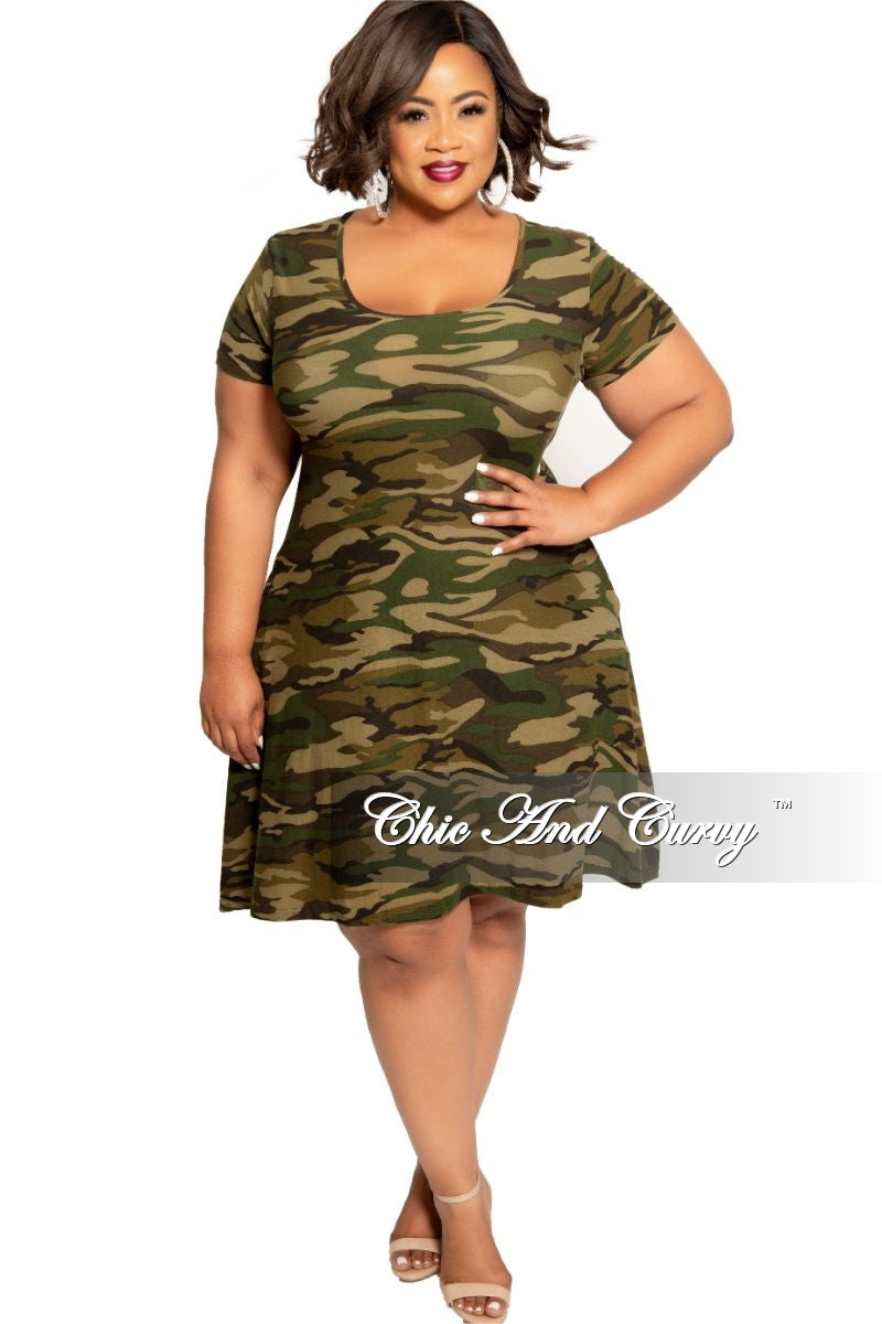Final Sale Plus Size Short Sleeve Pocket Dress in Camouflage Print