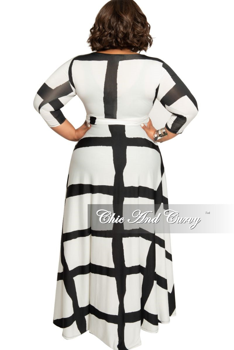 Final Sale Size Long Dress with 3/4 Sleeve and Tie in White and Black Abstract Print