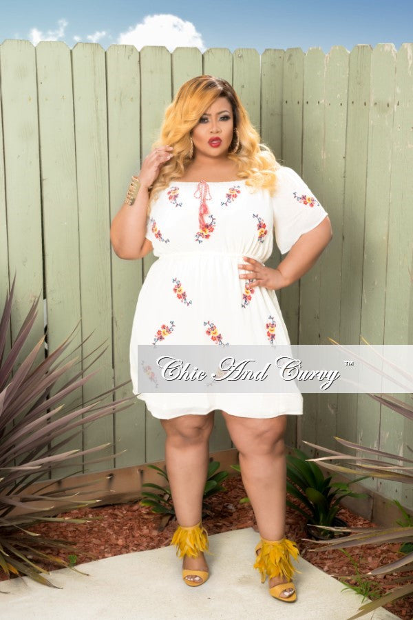 New Plus Size Dress in Off White, Red, Blue and Yellow – Chic And ...