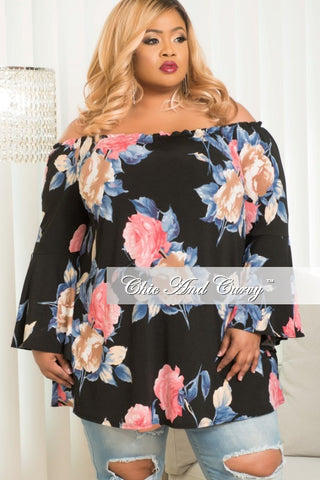New Plus Size Off the Shoulder Top in Black Floral Print