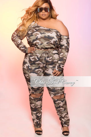 New Plus Size 2 Piece Jogging Suit with Slit Legs in Camouflage Print