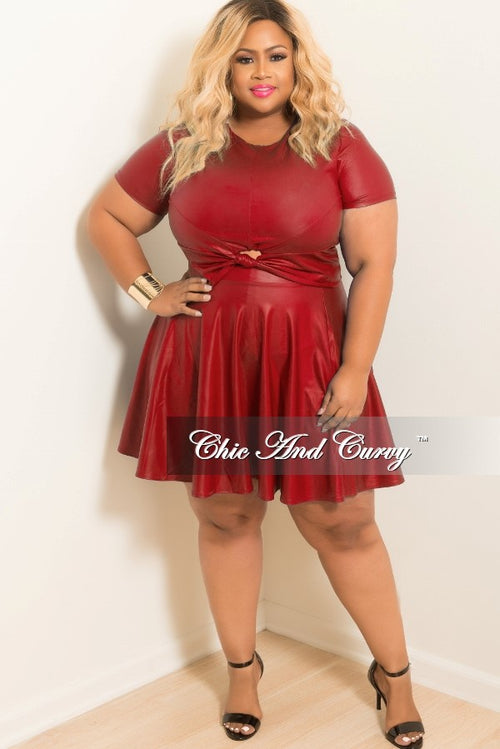 Final Sale Plus Size Liquid Skater 2-piece Set with Knot Front in Red