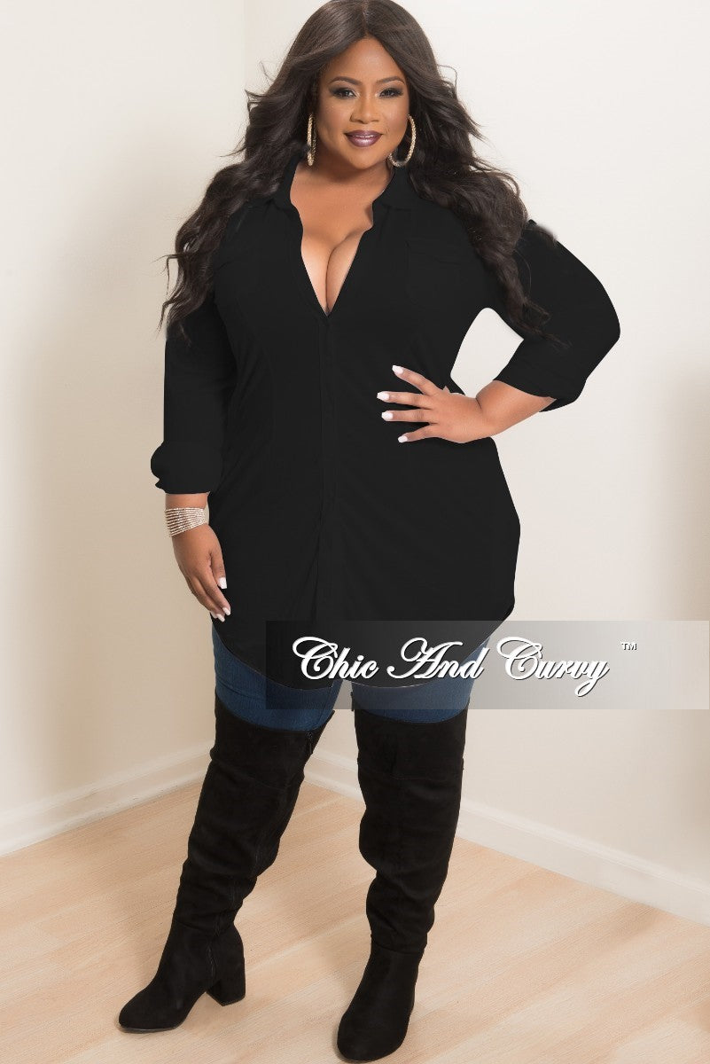 New Plus Size Collar Button-Up Top with Front Pockets in Black