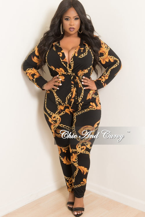 Final Sale Plus Size 2-Piece Lounge Set with Tie in Black and Gold Chain Print