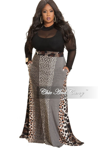 Final Sale Plus Size Long Wrap Dress with Attached Tie in White and Black Houndstooth Print