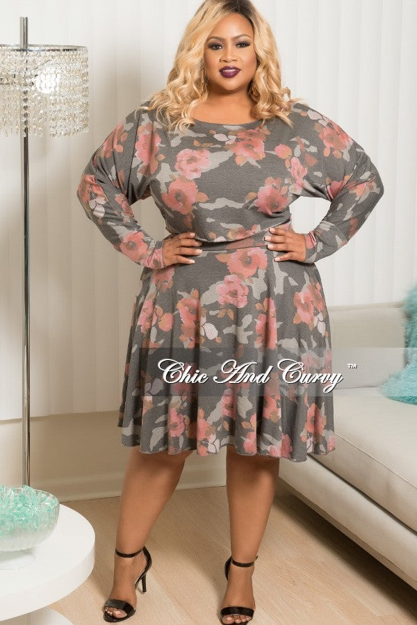 New Plus Size Floral 2 Piece Top and Skirt Set in Grey & Pink