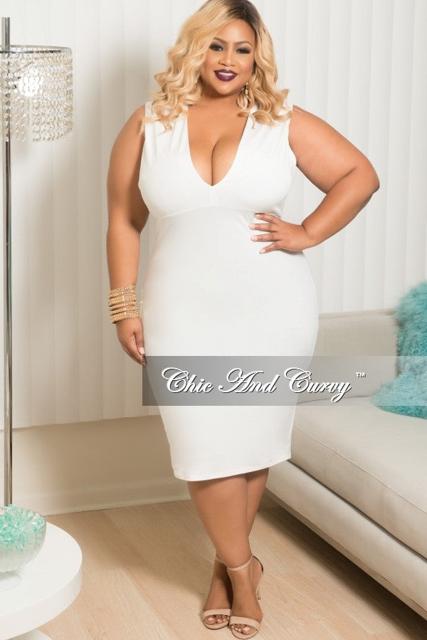 Final Sale Plus Size Deep V-Neck Dress in Off White