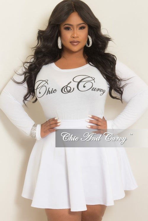 Final Sale Plus Size Chic And Curvy *T-Shirt with Long Sleeves in White and Black