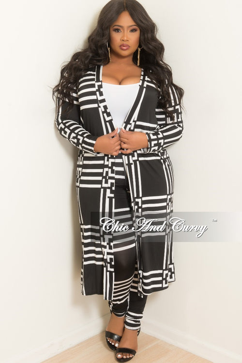 0f5aea35a5 Final Sale Plus Size 2-Piece Duster and Pants Set in Black and White Print