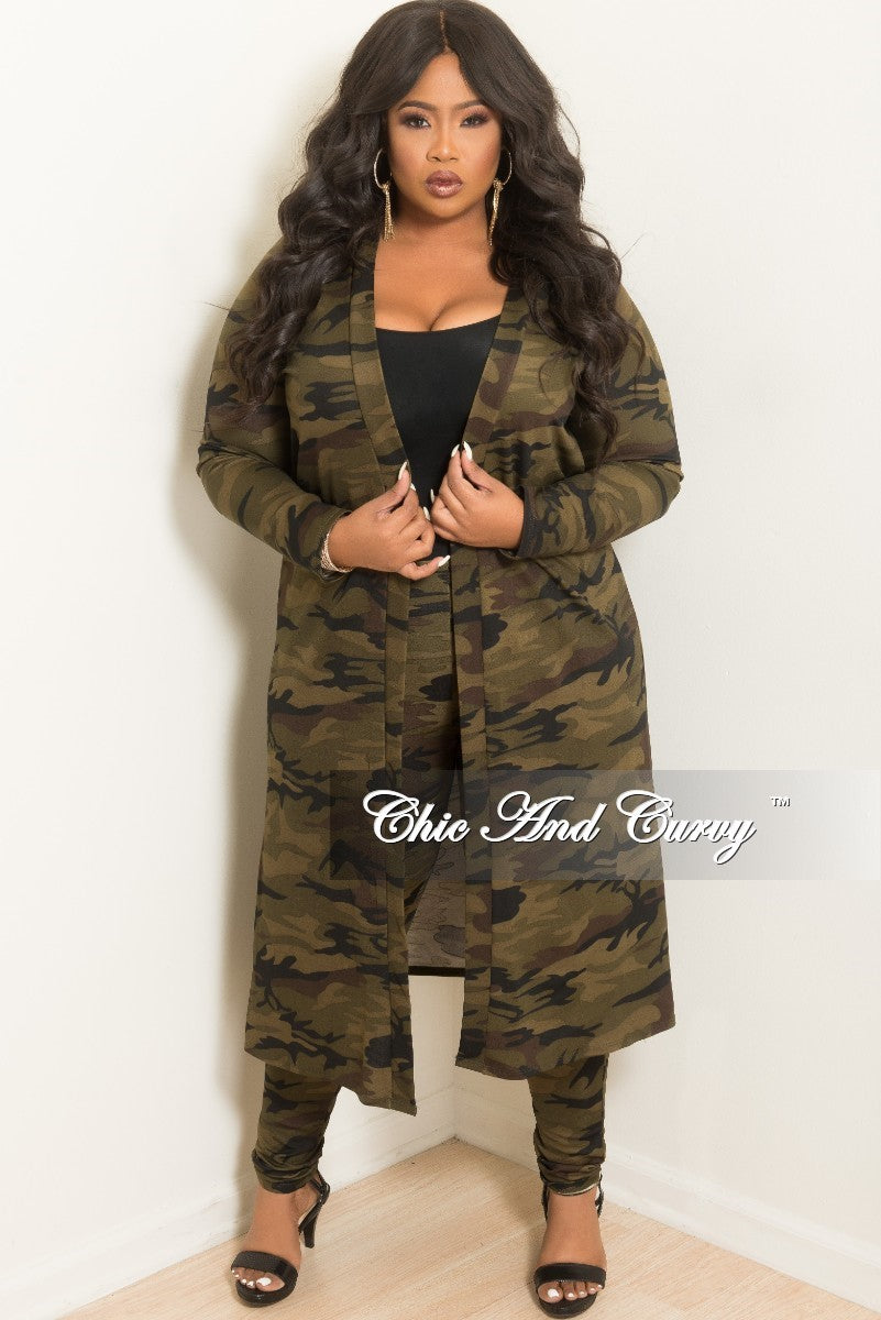 New Plus Size 2-Piece Duster and Pants Set in Dark Camouflage Print