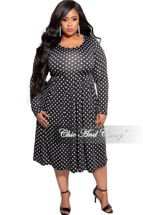 New Plus Size Pocket Dress in Black and White Polka Dot Print