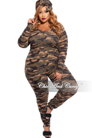 Final Sale Plus Size Chic And Curvy Exclusive Ruched Drawstring Jumpsuit in Snake Print