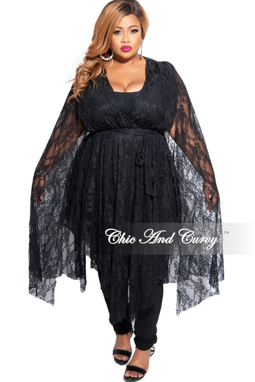 Final Sale Plus Size Lace Split Bell Sleeve Top in Black