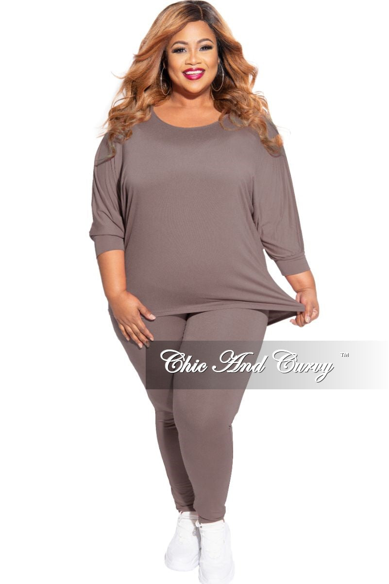 New Plus Size 2-Piece Top and Legging Set in Mocha