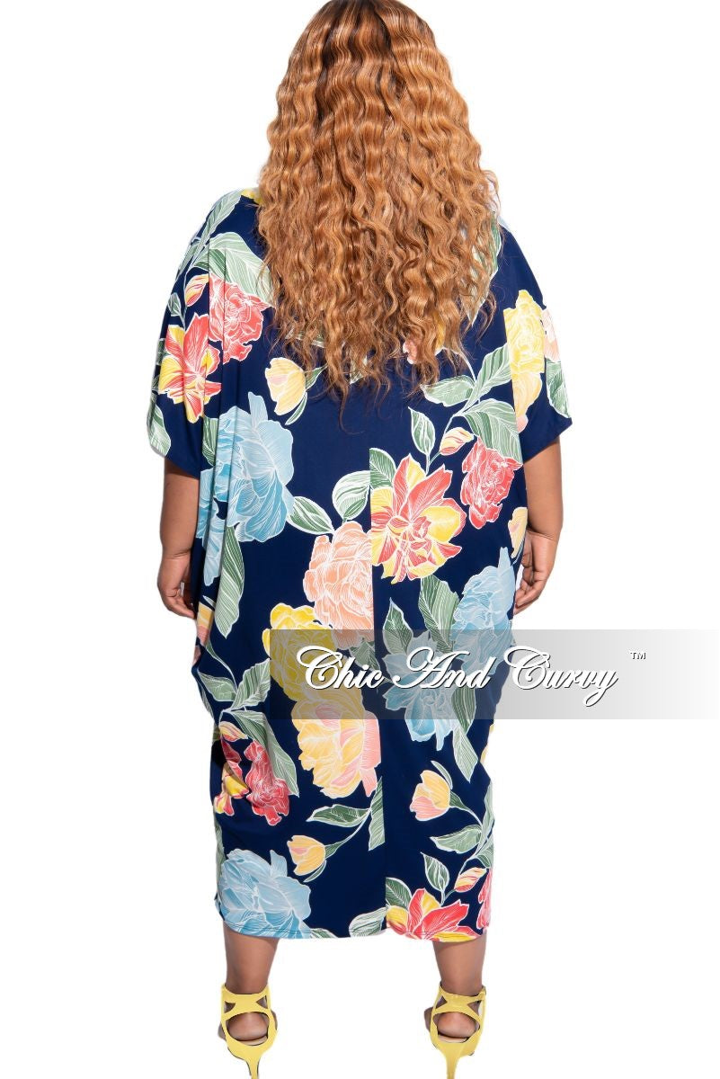 Final Sale Plus Size Oversize Dress in Navy Multi Floral Print