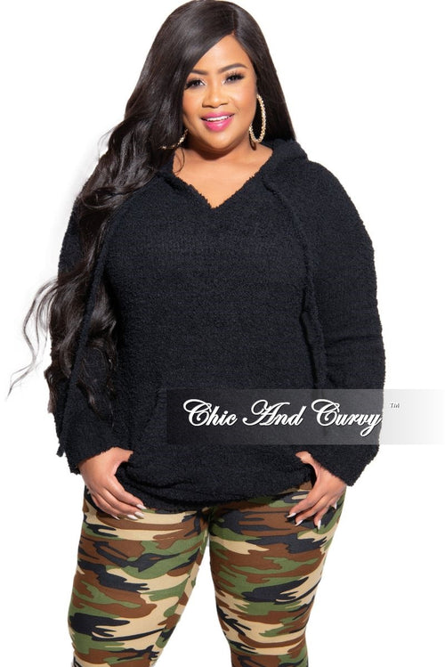 New Plus Size Fleece Pocket Pullover Hoodie in Black