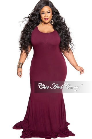 New Plus Size Exclusive Chic And Curvy Short Sleeve Mermaid Dress in Black