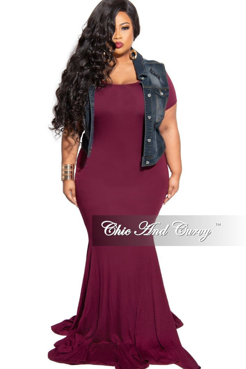 New Plus Size Exclusive Chic And Curvy Short Sleeve Mermaid Dress in Burgundy
