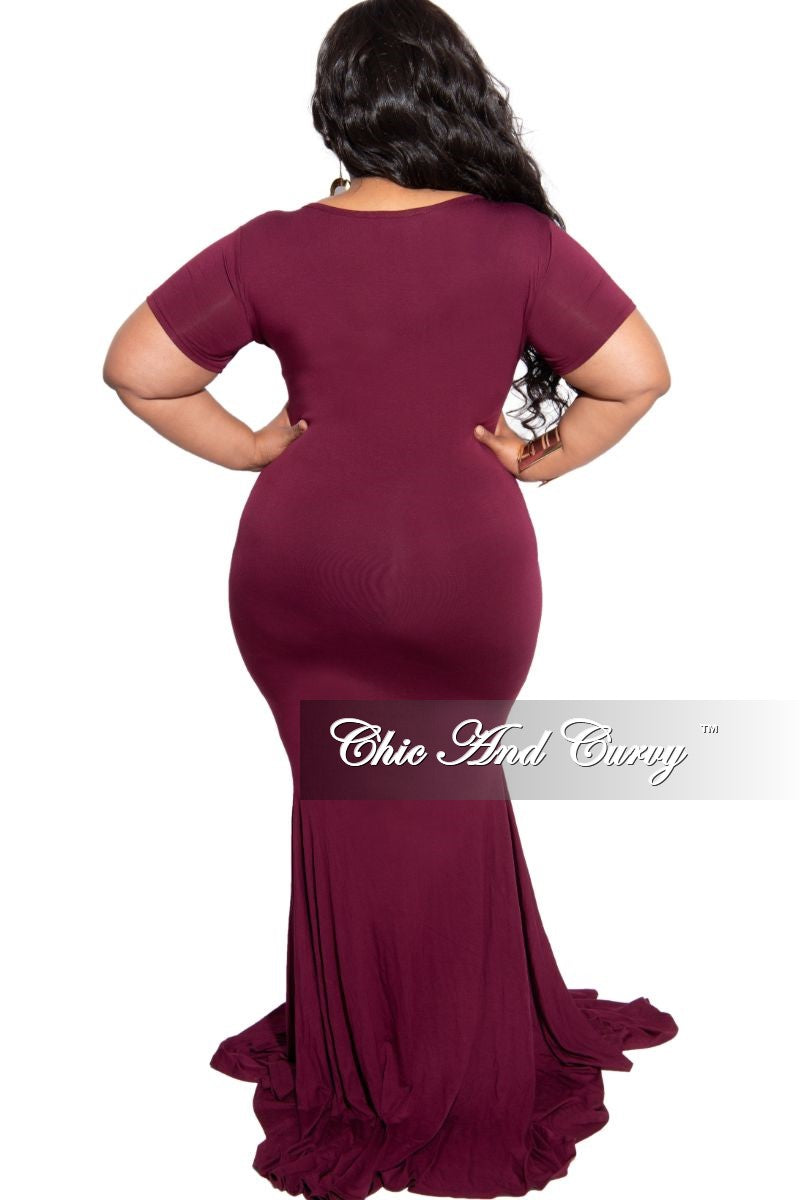 Final Sale Plus Size Exclusive Chic And Curvy Short Sleeve Mermaid Dress in Burgundy