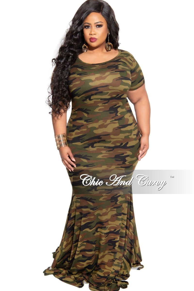 New Plus Size Exclusive Chic And Curvy Short Sleeve Mermaid Dress in Camouflage Print