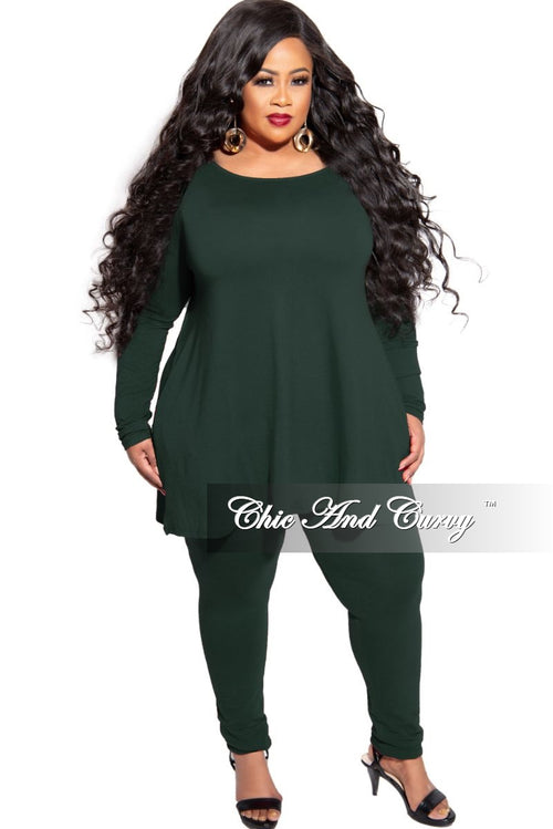 New Plus Size 2-Piece Long Sleeve Flare Top with Side Pockets and Legging Set in Hunter Green